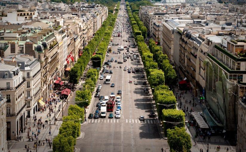 Avenue des Champs Elysees. Paryż
