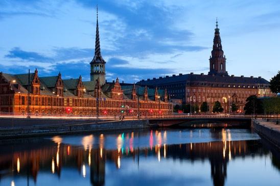 Borsen i Pałac Christiansborg w Kopenhadze