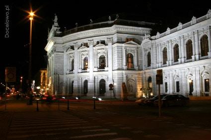 Teatr Dworski w Wiedniu - zabytki wiedeńskie